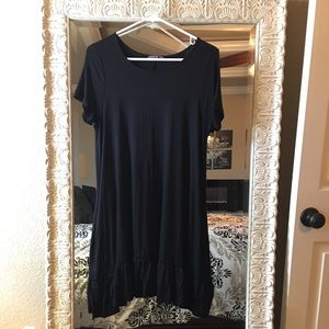 Black tunic with pockets